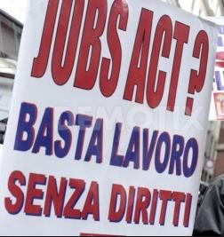 Appello per cambiare il decreto lavoro: no all'aumento del precariato