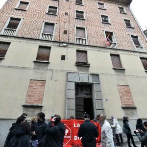 """Acqua agli occupanti di via De Maria. Mumolo: """"Plauso al coraggio del sindaco Merola"""""""